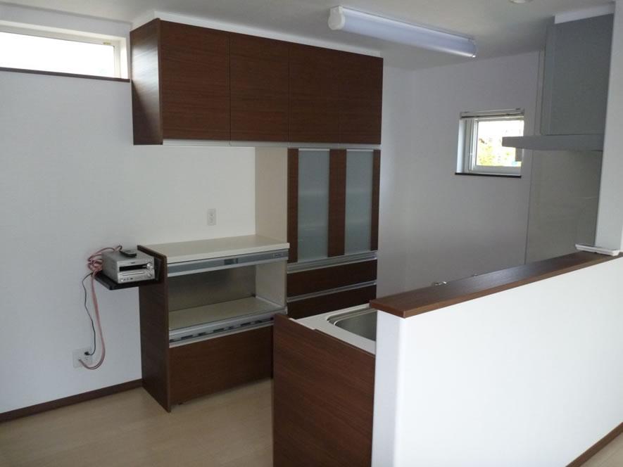 タカケンの施工実績画像:キッチン収納にオーディオ